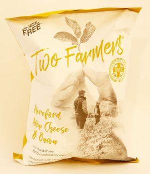 TWO FARMERS HEREFORD HOP CHEESE & ONION CRISPS 150g