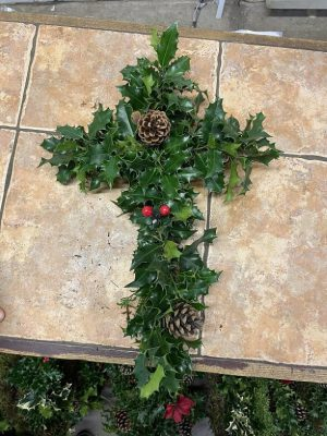 CROSS CHRSITMAS WREATH £9.95